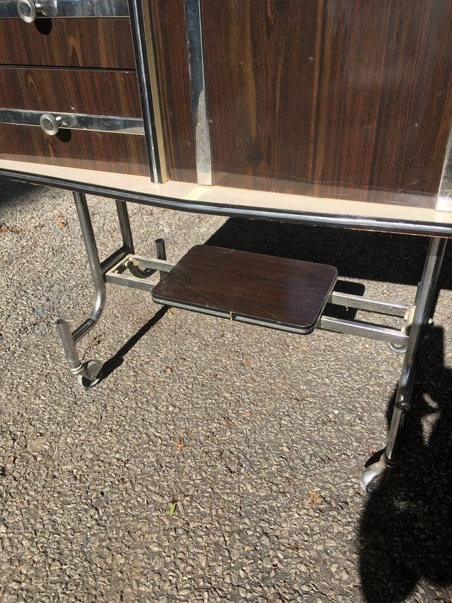 Mueble VINTAGE con mueble bar giratorio