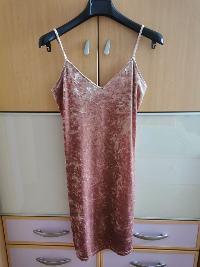 Mini vestido de terciopelo rosa