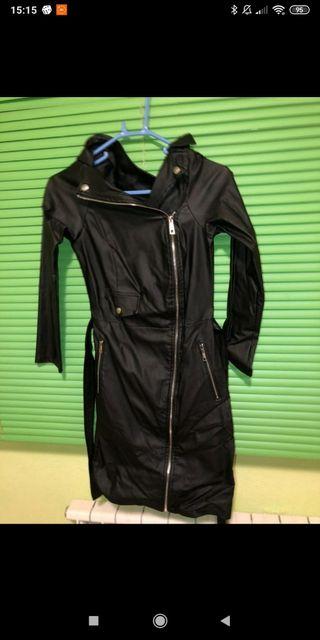 vestido negro cuero