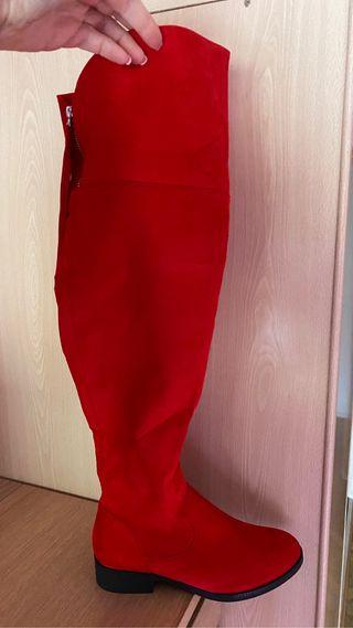 Botas rojas nuevas talla 41
