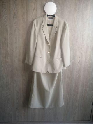 Traje chaqueta falda mujer talla 52 beige verdoso