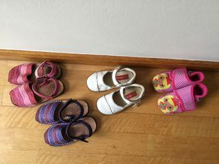 Zapatos, zapatillas, y sandalias abarcas