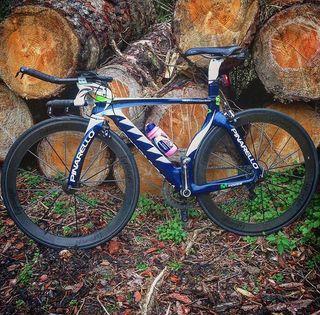 Cabra Pinarello Graal Movistar SIN ruedas