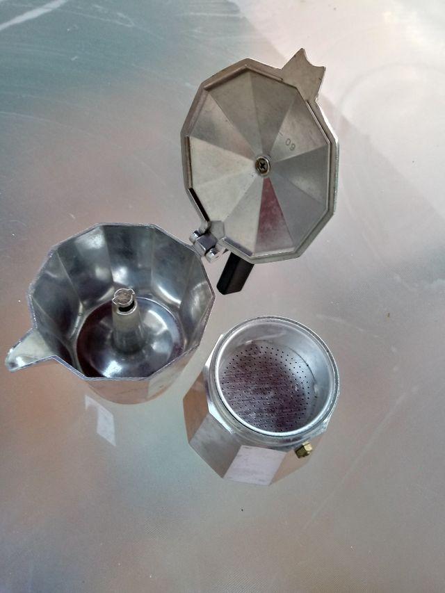 cafetera de aluminio