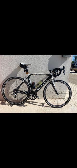 Bicicleta carretera carbono kuota karma race