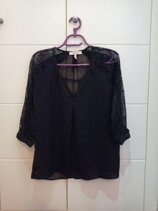 blusa camisa Bershka talla l negra con encaje