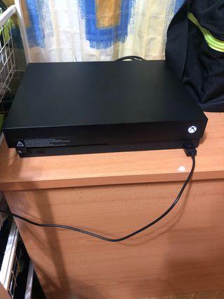 Xbox One X + Mando rojo + Juego