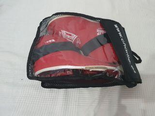Protecciones de pies Kick Boxing talla S Charlies