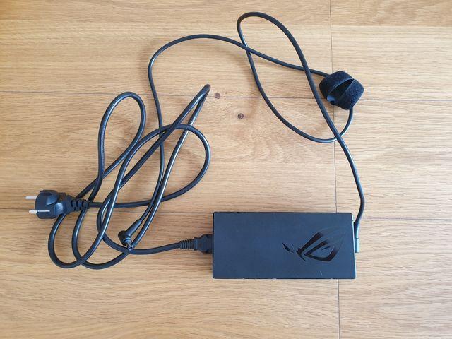 Portatil gaming Asus (i7 - RTX2070 - 32Gb RAM)