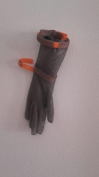 guantes y mandil de carnicero