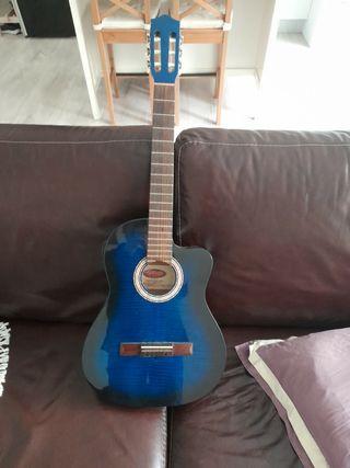 preciosa guitarra stagg