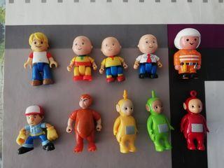 varios muñecos