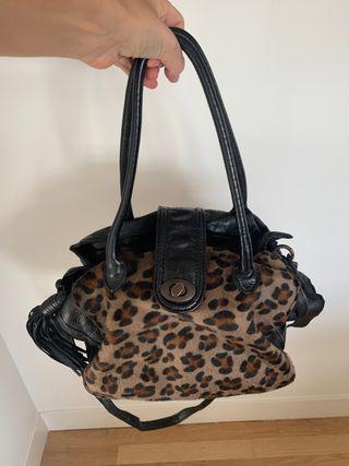 Bolso negro leopardo pelo