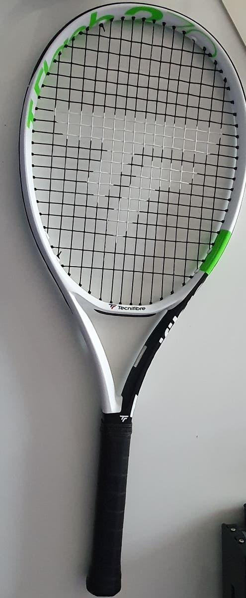 se vende raqueta de tenis TECNOFIBRE