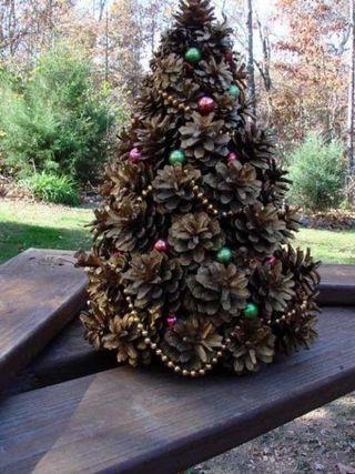 Árbol de navidad de piñas