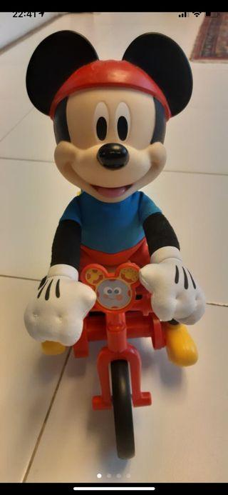 Mickey y su bici loca