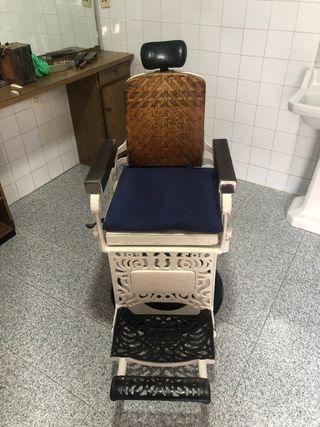 Antiguo Sillon Barbero marca Triumph