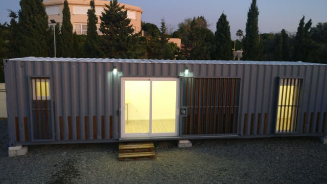 Casa de contenedor (prefabricada) (Alhaurín de la Torre, Málaga)