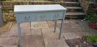 table stand 3 drawers as new