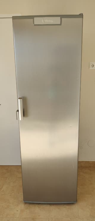 Congelador vertical Balay A++ No Frost