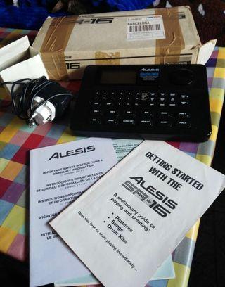 Alesis SR 16 caja de ritmos