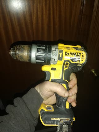 TALADRO PERCUTOR DEWALT BRUSHLESS XR 18V