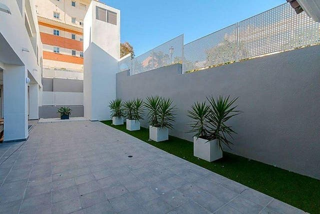 Piso en venta en Puerto - Plaza de Toros en Estepona (Urbanización Puerto de Estepona, Málaga)