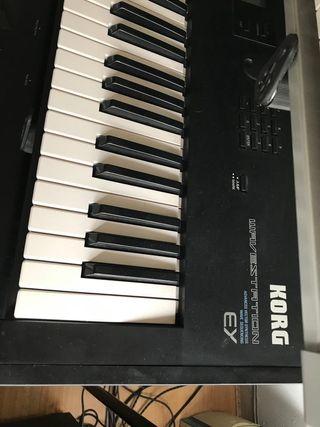 Sintetizador Korg Wavestation EX