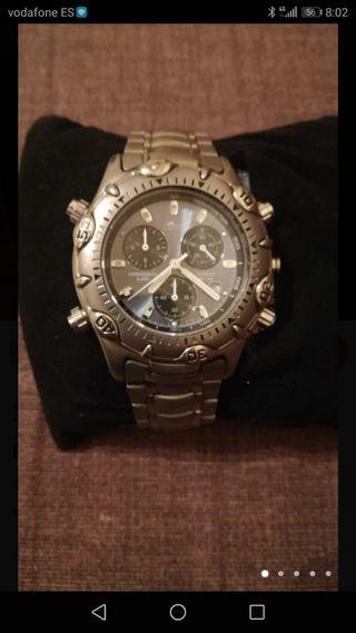 Reloj de la marca Lotus, material titanium (pesa m