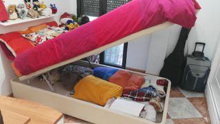 Canapé de 105cm. x 200cm. con colchón