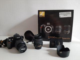 Cámara Nikon D3100 con objetivos
