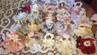Muñecas de porcelana pequeñas