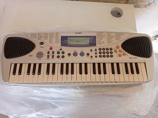 Teclado eléctrico para iniciación al piano