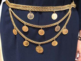 Cinturón cadena con monedas - dorado tipo Versace