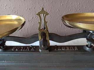 Antigua bascula de 3 kilos de forja