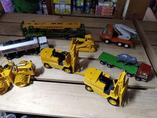 Miniaturas de coches antiguos.