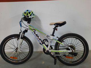"""Bicicleta MMR 20"""" con casco"""