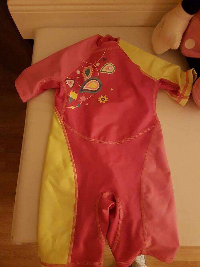 traje neopreno niña 3 años
