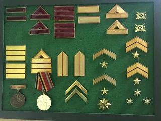 Colección de galones y medallas