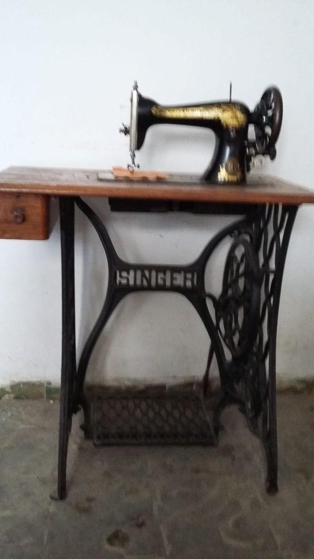 Máquina antigua de coser