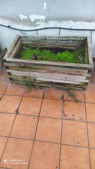 Jardineras rectangulares de madera