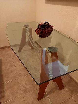 Mesa diseño y 4 sillas