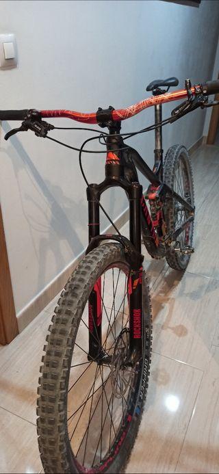 bicicleta canyon enduro