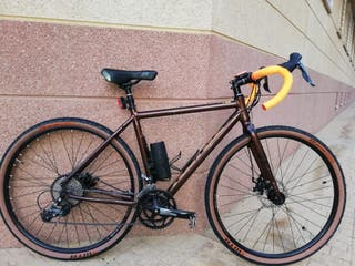bicicleta kona rove en gravel
