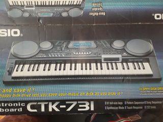 teclado electrónico Casio CTK-731