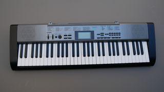 Teclado Piano Casio CTK - 1300 + Pie