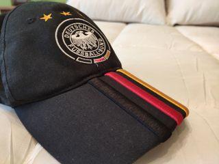 Gorra ADIDAS negra Alemania