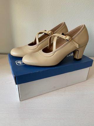 Zapatos baile flamenco nuevos