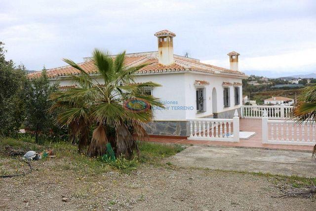 Cortijo en venta en Benajarafe Almayate en Vélez-Málaga (Benajarafe, Málaga)