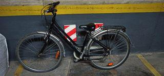 Bicicleta urbana con cambios.